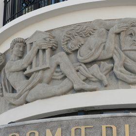 Jean rene debarre 1948 sculptures bas relief facade theatre onde comoedia espace galerie art le comoedia patrimoine historique brest finistere