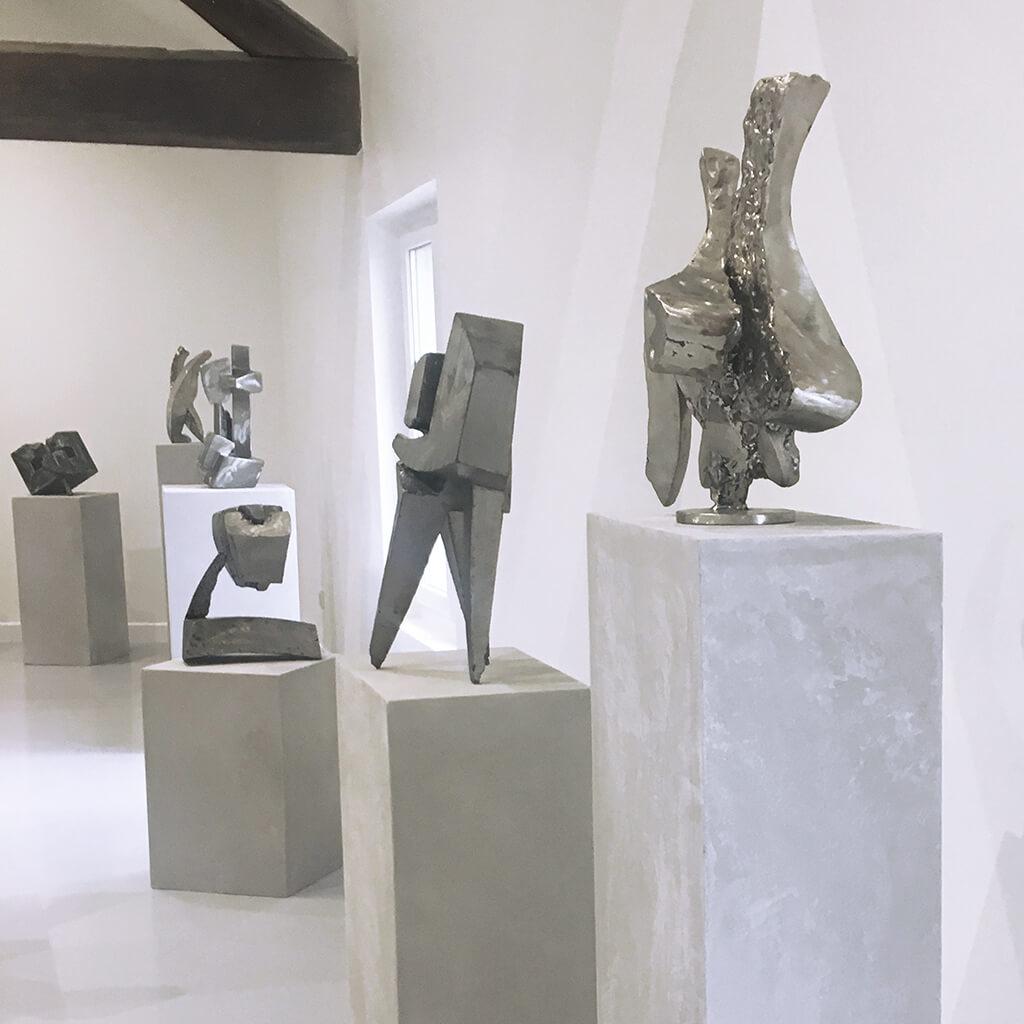 La venus assise galerie espace art le comoedia sculpture brest exposition culture susperregui