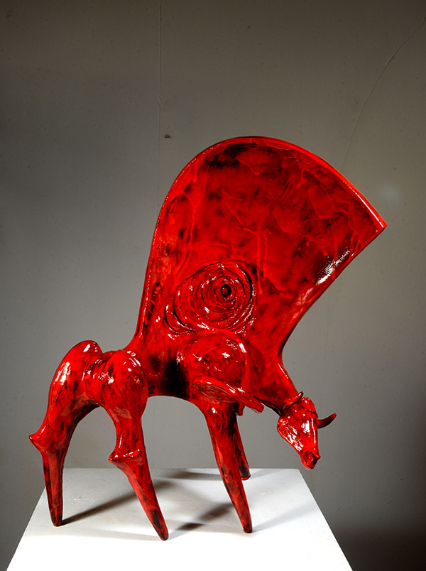 Grand Red Bull Marc Piano galerie espace art le comoedia brest frinistere culture art contemporain sculpture