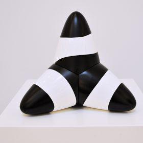 Tera noir et blanc expo noir est une couleur art contemporain artiste de la galerie espace art le Comoedia Brest exposition