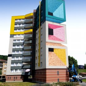 Astro oeuvre monumentale urbaine artiste de la galerie espace art le Comoedia Brest exposition art urbain street art graff