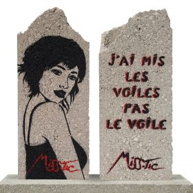 J ai mit les voils pas le voile Miss Tic artiste de la galerie espace art le Comoedia Brest exposition art urbain street art