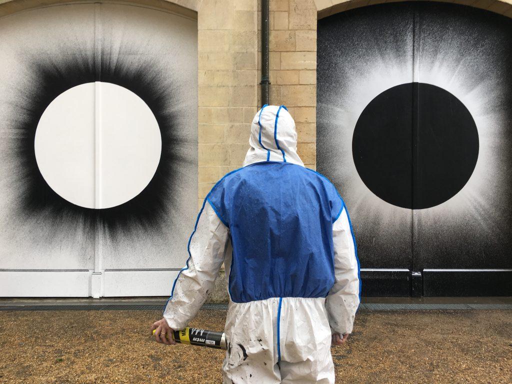 L Outsider artiste de la galerie espace art le Comoedia Brest exposition art urbain street art graff