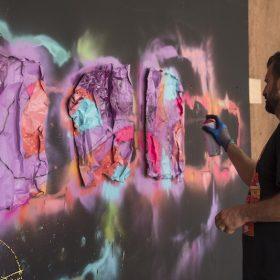Artiste Reso de la galerie espace art le Comoedia exposition art urbain