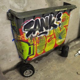 Garbage de Wen2 Polyethilene peinture graffiti exposition art urbain street art galerie espace art le Comoedia
