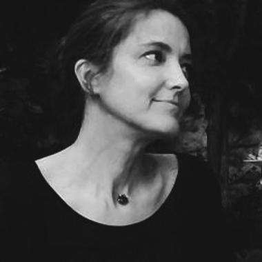 portrait karine chaude comoedia brest galerie art contemporain exposition vente finistere bretagne