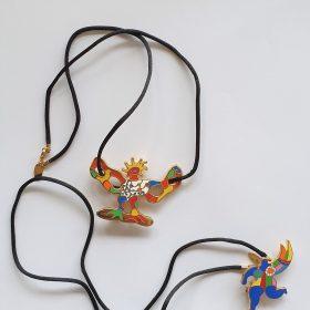 Colliers - Niki de Saint Phalle - oiseau et femme colorés