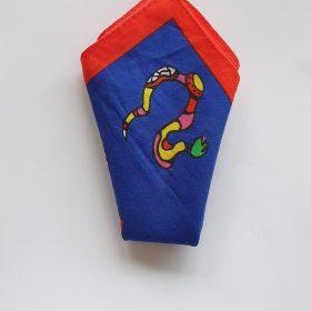 Pochette - Niki de Saint Phalle - tissu bleu et rouge - motif serpent coloré