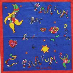 Pochette ouverte - Niki de Saint Phalle - Tissu bleu et rouge - motifs femme, soleil, serpent, coeur, bouche, écritures, scorpions colorés