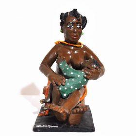 Sculpture - Eulogé Glélé - Femme africaine - seins nus - donnant le sein à un enfant