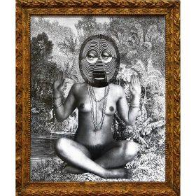 Collage - 13bis - Femme seins nus en tailleur - collage de masque - fond de forêt