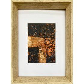 Gravure - Thomas Godin - visages - masques - orange, doré, noir - encadré