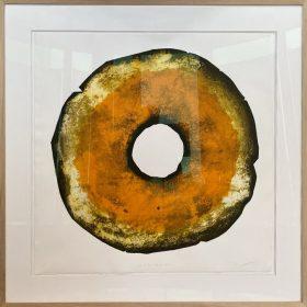 Gravure - Thomas Godin - rond - orange, doré, blanc - contours noirs - encadré - portées de musique