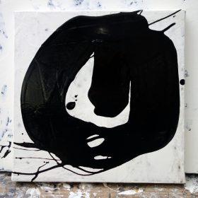 Peinture - Cali REZO - Formes en O noires - filaments noirs - fond blanc