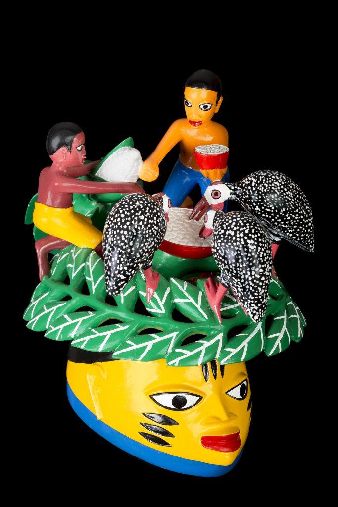 Sculpture - masque gèlèdè - Wabi DOSSOU - oiseaux mangent dans une gamelle - enf