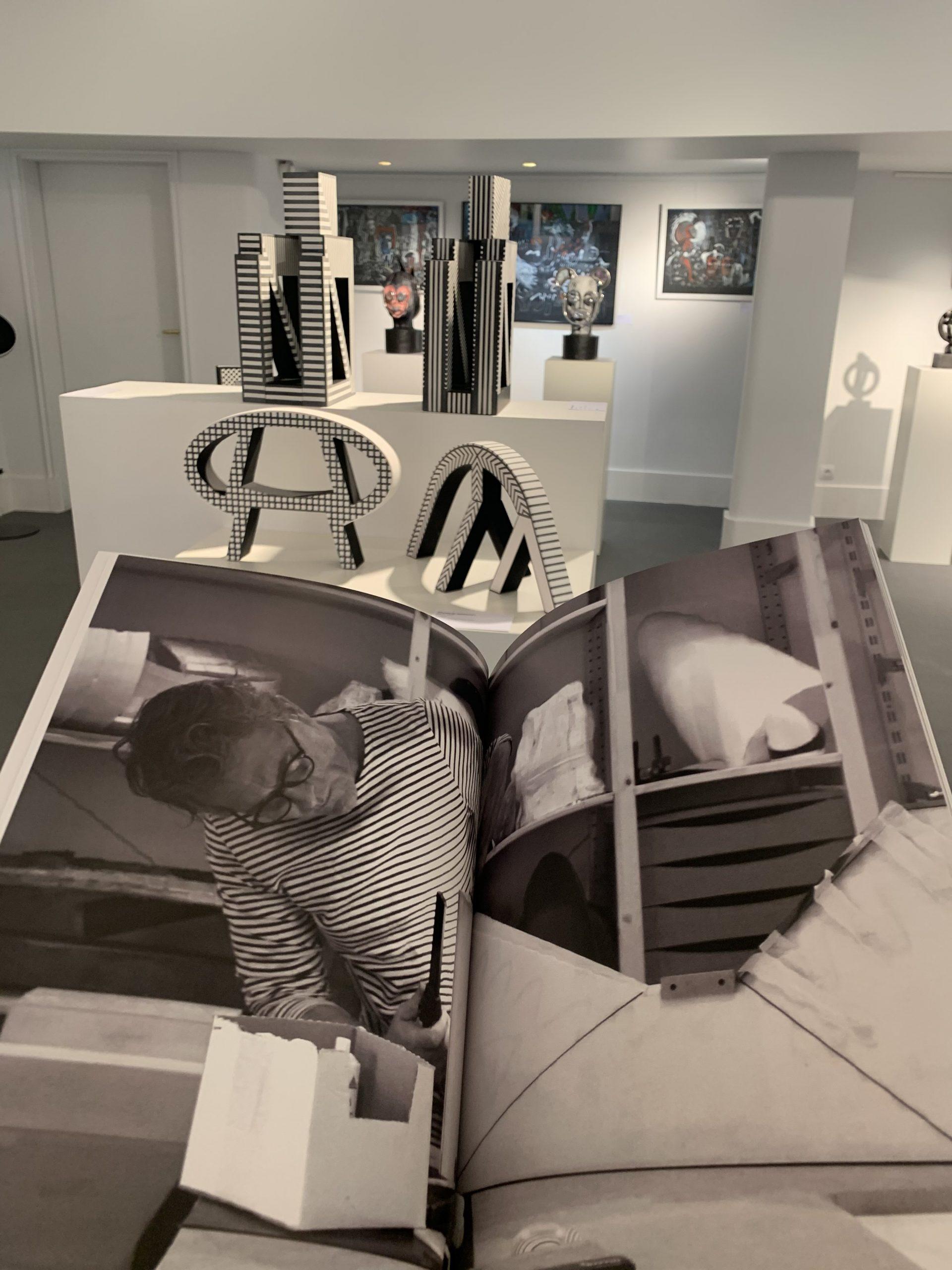 Photo livre - Océan Urbain - Vincent de Monpezat - Livre ouvert - Portrait - Oeuvres